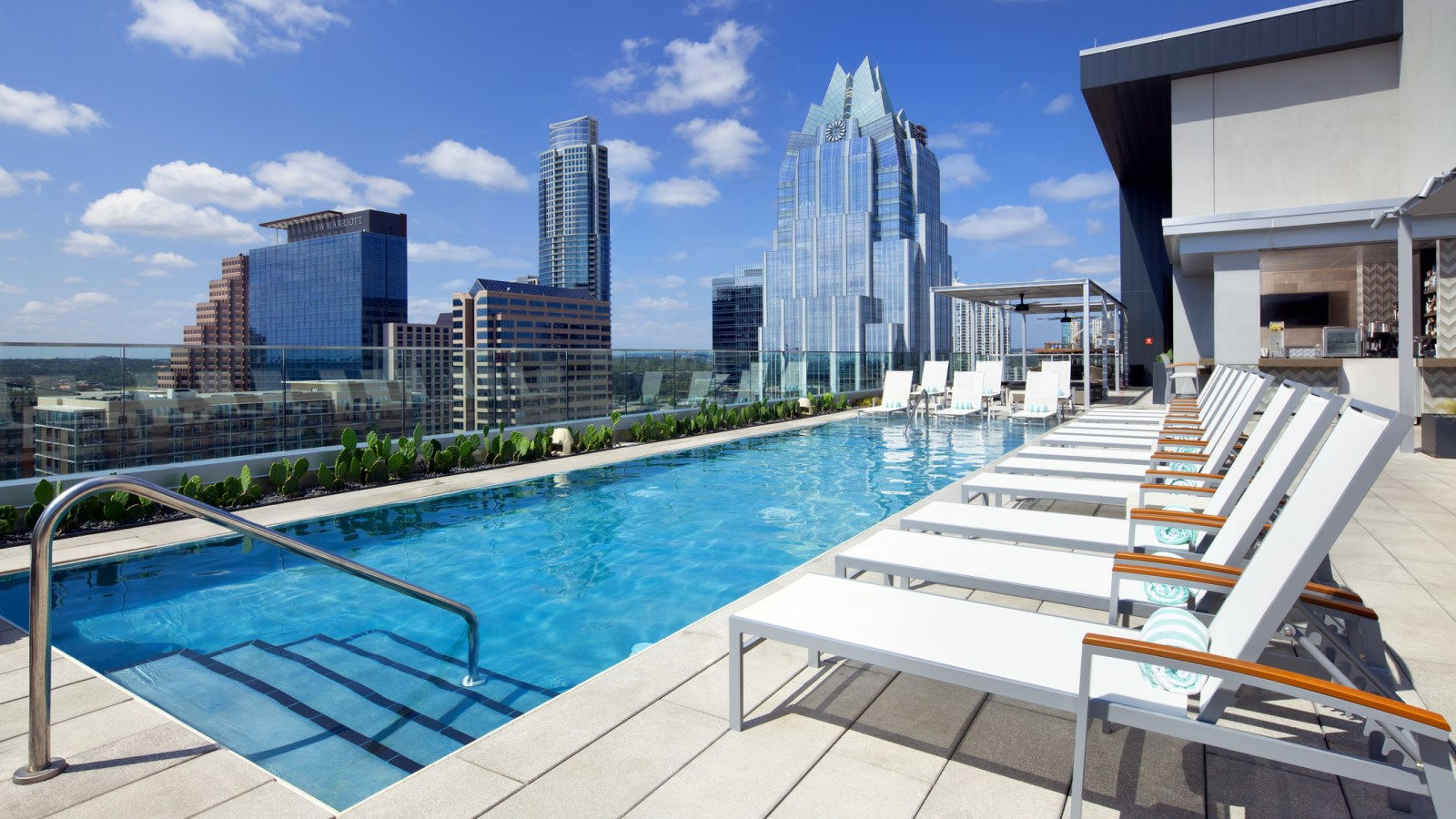 Austin rooftop pool the westin austin downtown for Pool design austin
