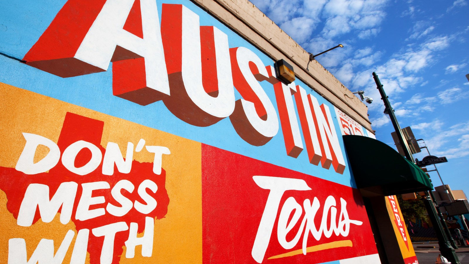 Hotels Near 6th Street Austin - Mural