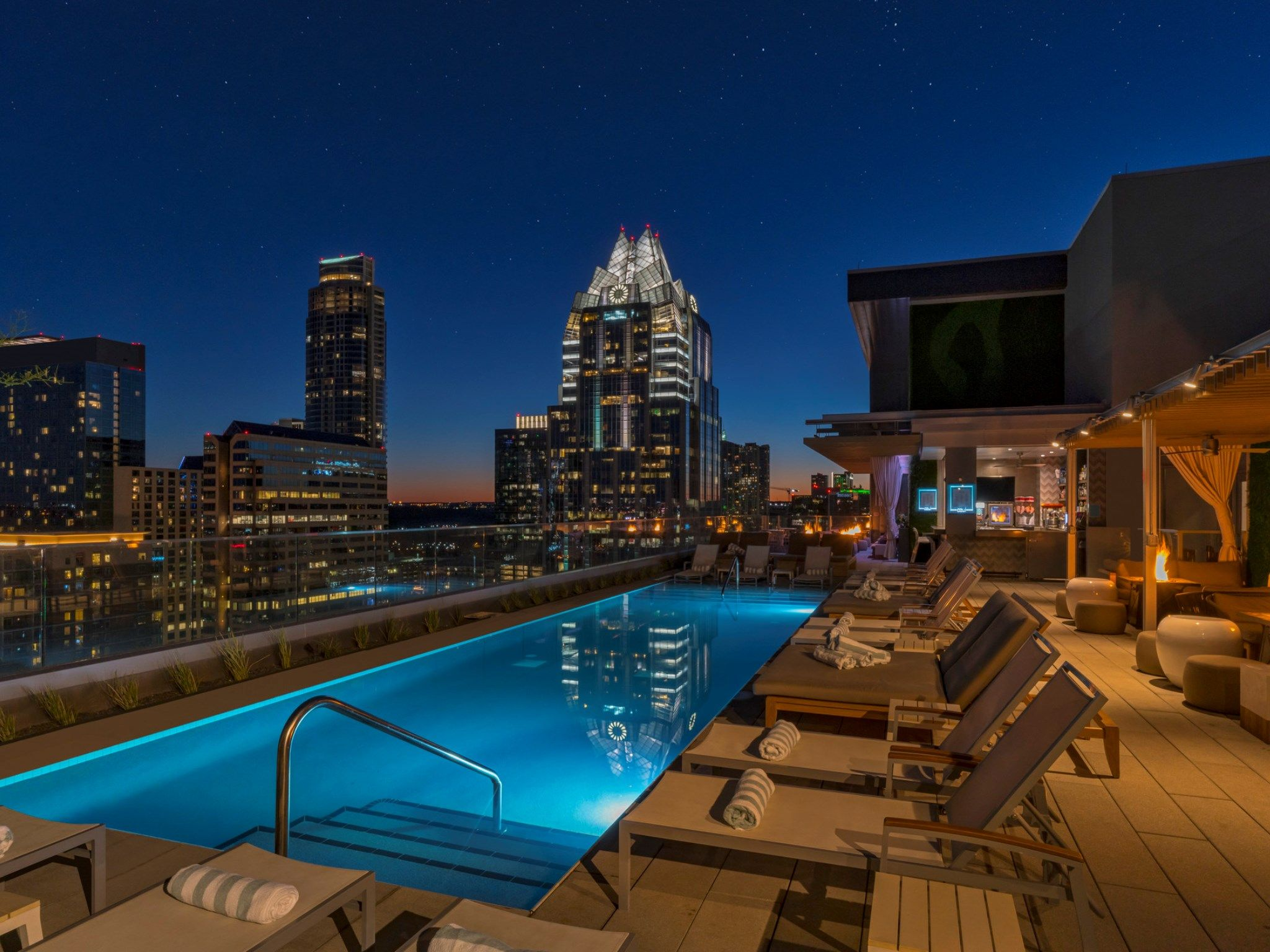 2 Bedroom Suites In Austin Tx Near 6th Street Bedroom And Bed Reviews